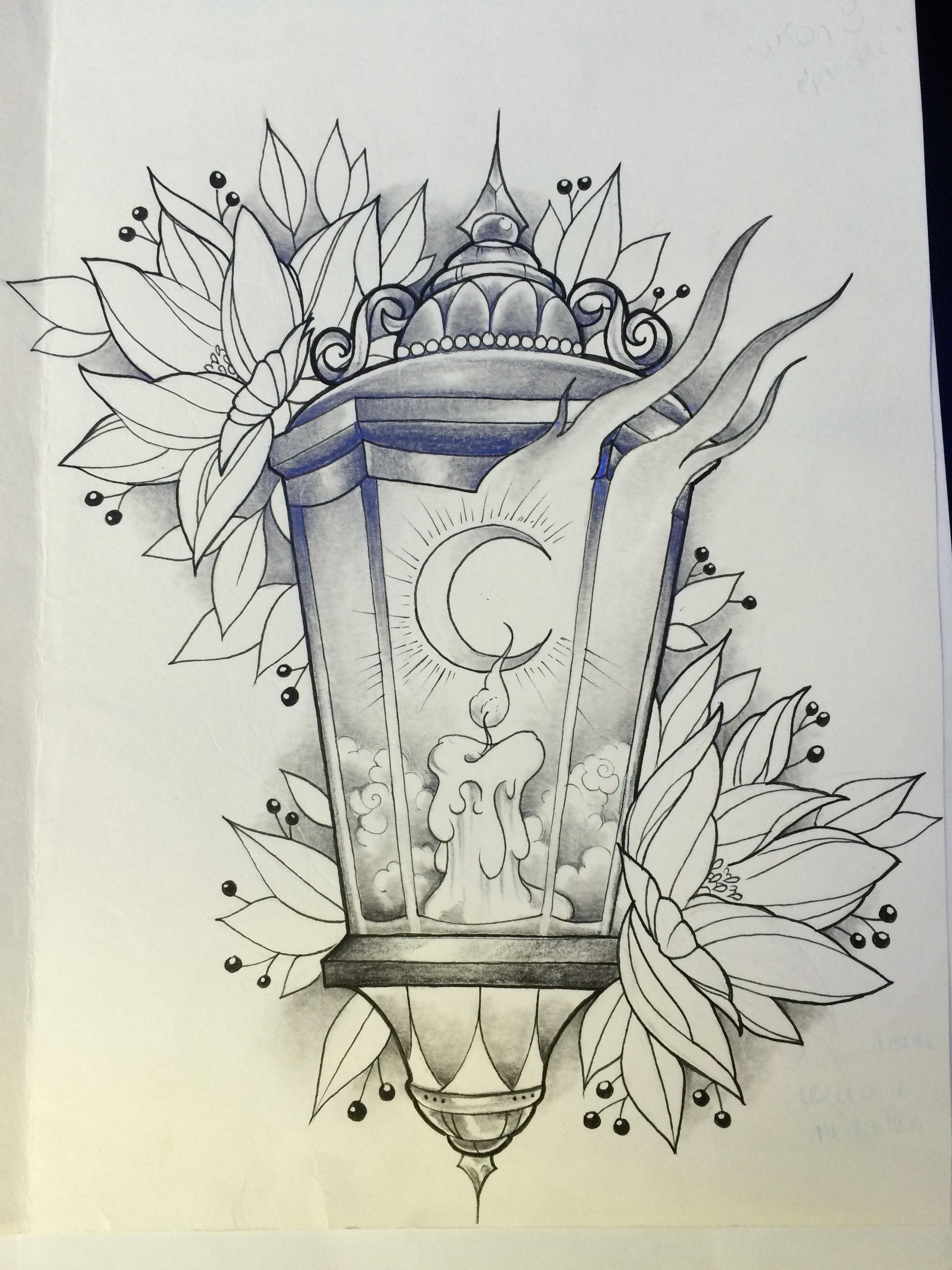 tatouage coeur sur une papier