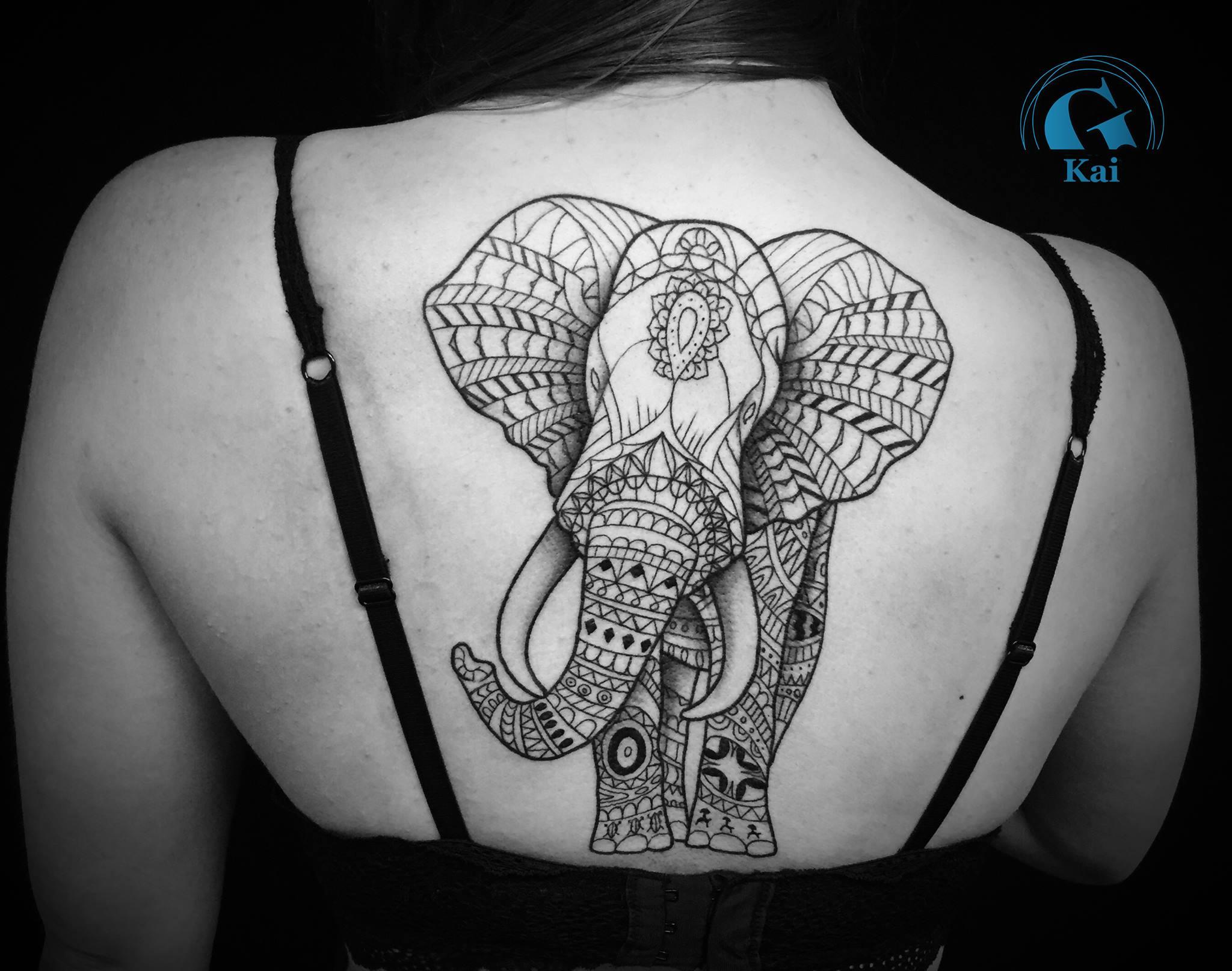 Tatouage aile d ange dans le dos fashion designs - Tatouage ailes dans le dos ...