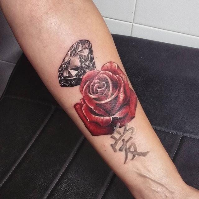 tatouage rose | graphicaderme