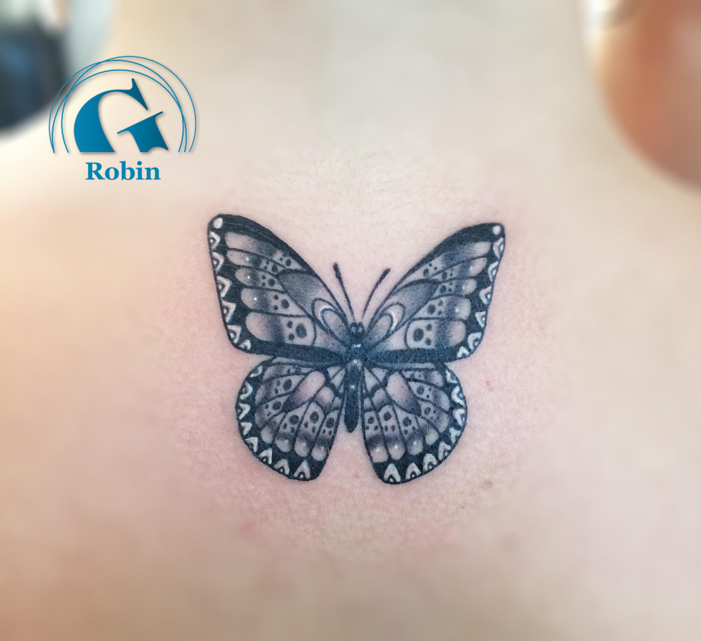 Tatouage nuque graphicaderme - Modele de papillon ...