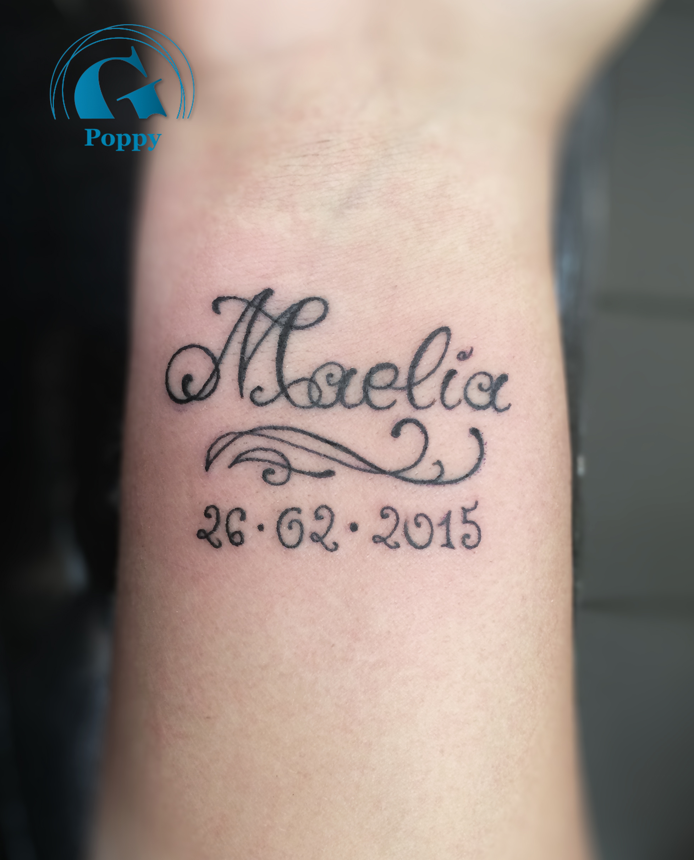 tatouage homme avant bras bracelet prenom