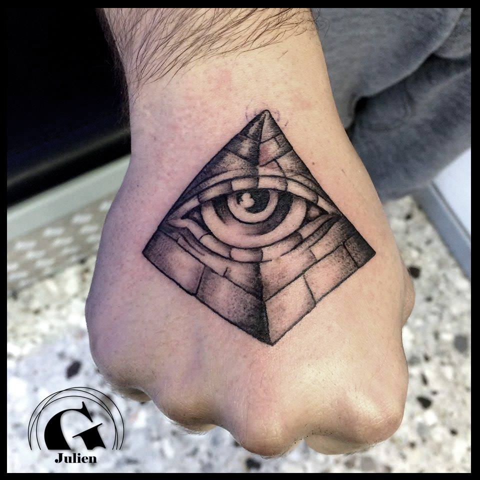 Modele Tatouage Symbole Main Illuminati Jpg Graphicaderme