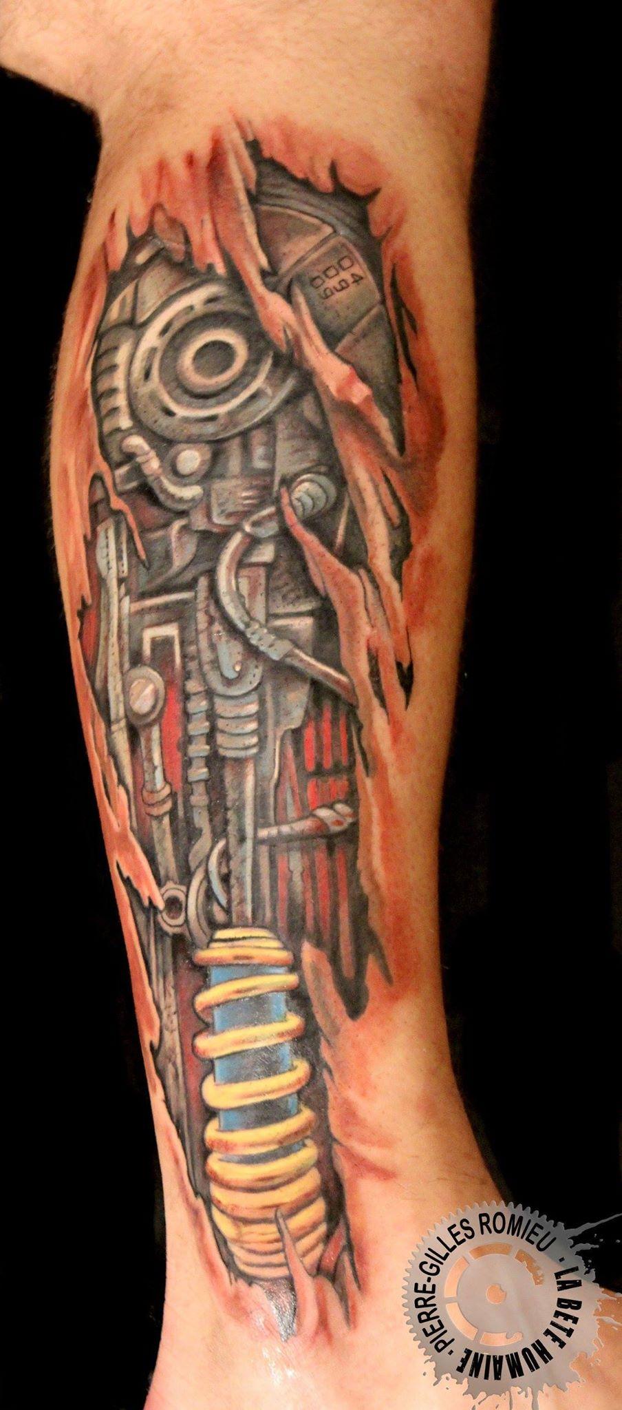 tatouage,biomecanique,piston,jambe
