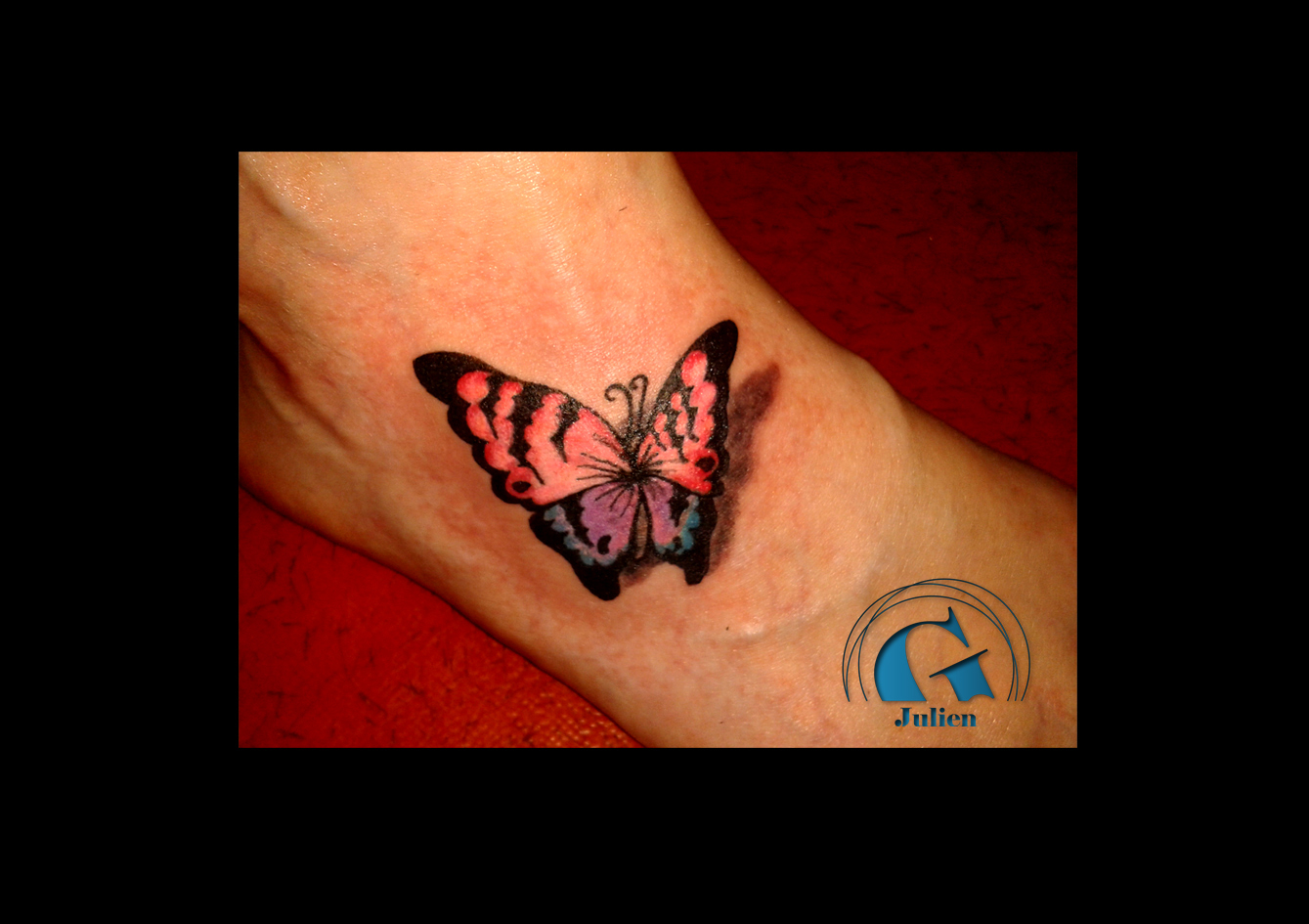 Image tatouage papillon fashion designs - Tatouage papillon de nuit ...