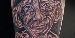 dobby-graphicaderme-vaison-la-romaine-joe-wild-tattoo-harry-potter-tatouage