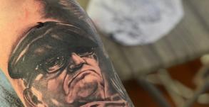 stephane-chaudesaigues-tatouage-homme-beret