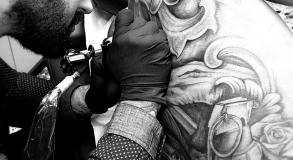 graphicaderme-steven-tatouage-doscomplet-leniok-avignon