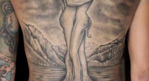 tatouage_dos_arbre_tree_original_graphicaderme_avignon_tattoo