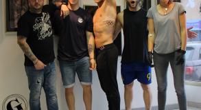 Tattoo_tatouage_piercing_bmx_jeux_olympiques_anneaux_cranes_mexicain_riders_J.O_tatoueurs_tatoueuse_Vaison_la_romaine_vaucluse_Nyons_Bollène_Malaucène_Cavaillon_Robion_Coustellet_Ardèche_drôme_tatou_Flanc_avant_bras_noir_et_blanc