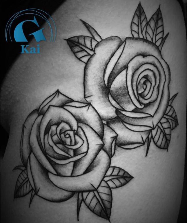 graphicaderme_roses_oldschool_blackwork_tatouage