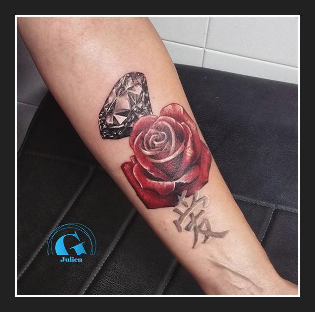 graphicaderme-avignon-diamant-rose-amour-tatouage-paca