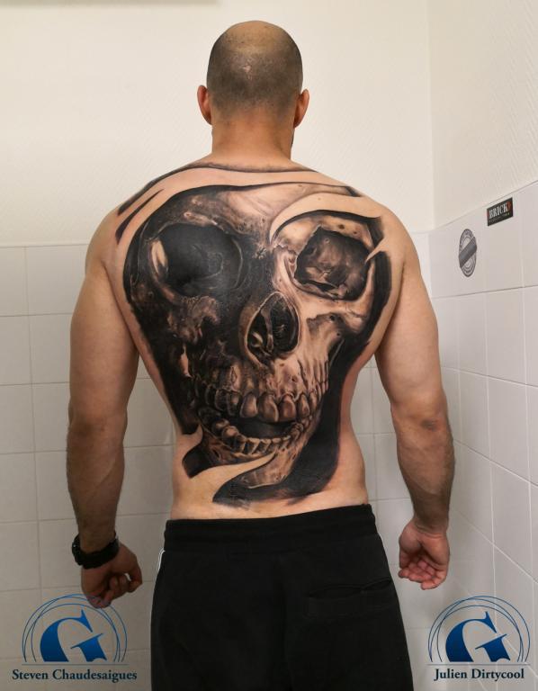 graphicaderme-avignon-vaucluse-doscimplet-stevenchaudesaigues-juliendirtycool-skull-crane-tattoo-tatouage