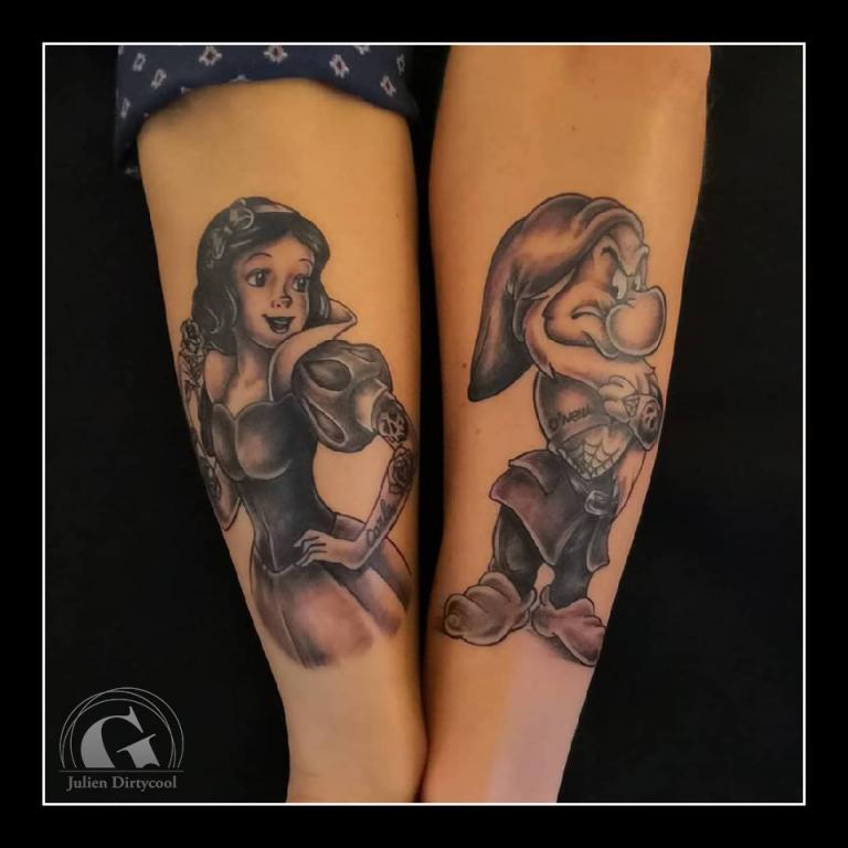 graphicaderme-avignon-vaucluse-paca-tatoueur-tatouage-blancheneige-grincheux-nain-7nains-disney-tattoodisney-tatouagecouple