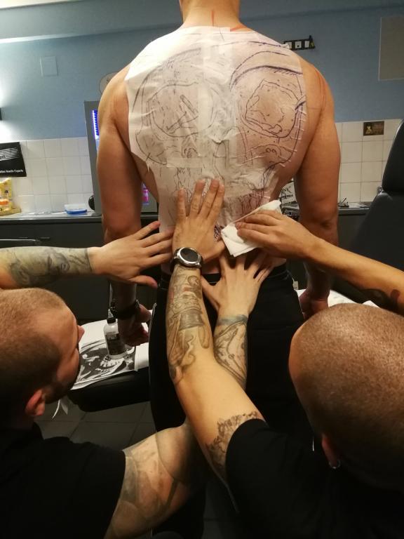 graphicaderme-avignon-vaucluse-paca-tattoo-tatoueur-tatouage-skull-steven-chaudesaigues-julien-dirtycool-stencil