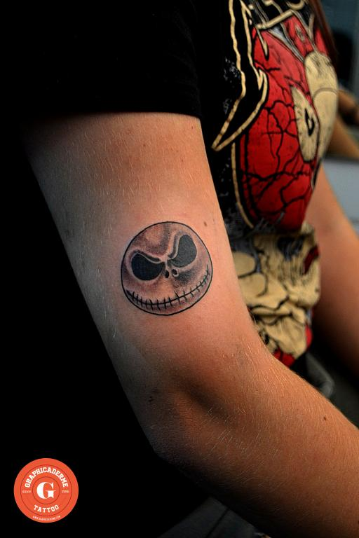 graphicaderme_avignon_halloween_tatouage_skull_paca_tattoo_flash