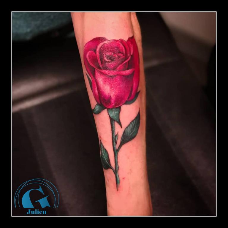 graphicaderme_juliendirtycool_rose_tatouage_avignon-vaucluse-tatoueur-tatouagerose-tatouageidée-tatouagefemme-rosecouleur