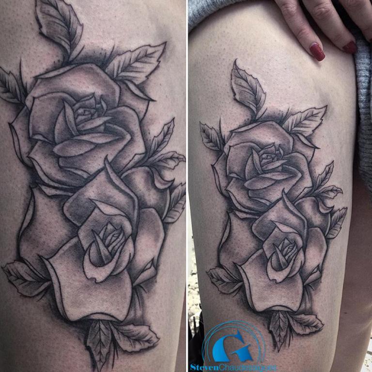 graphicaderme_steven_tatouage_roses_avignon_vaucluse-tatouagefleur-tatouagenoiretgris-tatouagerose