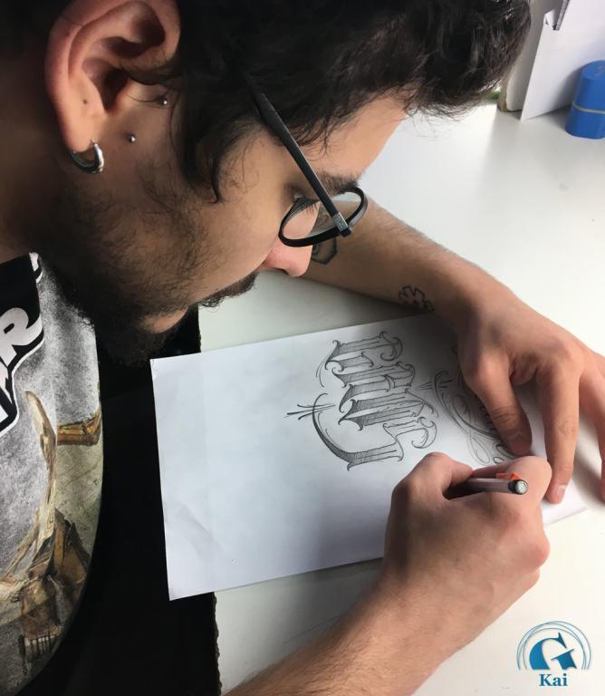 graphicaderme_avignon_kai_tatoueur_typographie_tatouage