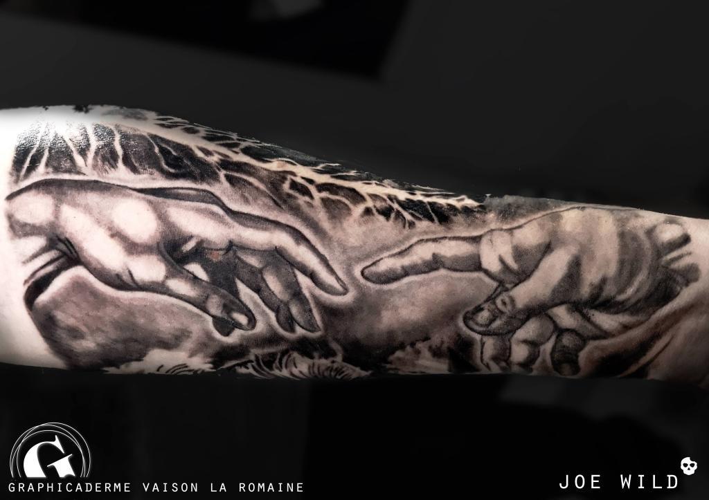 meilleure-tatoueuse-vaison-joe-wild-creation-adam-tatouage-religieux