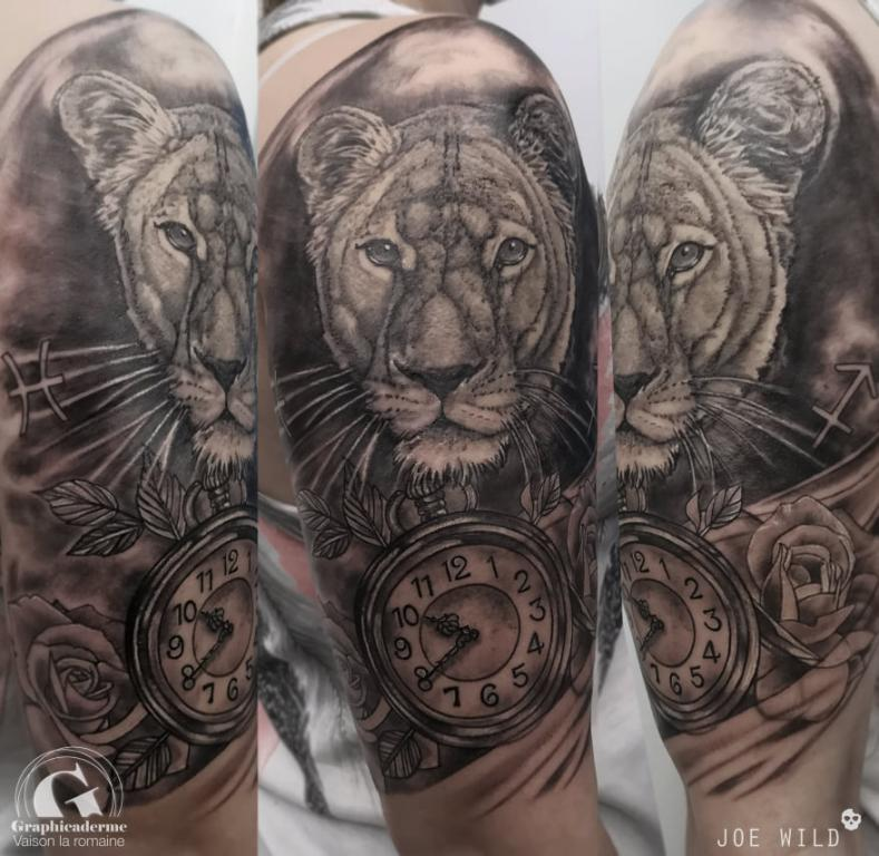 tatoueuse-tatoueur-vaison-la-romaine-vaucluse-joe-wild-graphicaderme-tatouage-astrologie