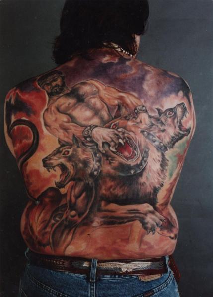 La passion du tatouage le ciment d une famille graphicaderme - Tatouage qui represente la famille ...