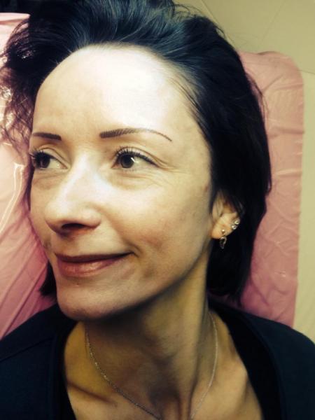 Le maquillage permanent les sourcils poil par poil graphicaderme - Maquillage permanent sourcils poil a poil ...