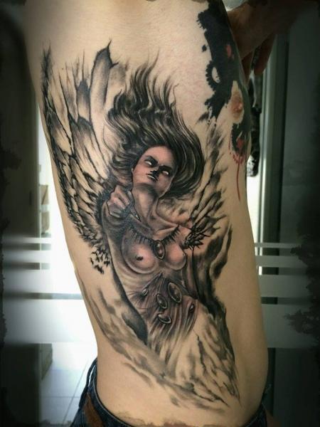 Une f e dark et sensuelle pour le tatouage d 39 antoine avec jhenn oz graphicaderme - Tatouage femme sensuelle ...