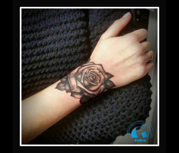 Tatouage Poignet Rose Www Picswe Com