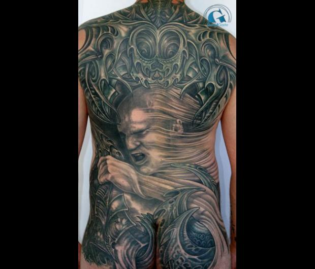 tatouage dos homme | graphicaderme
