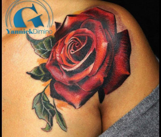 Image gallery tatouage rose - Tatouage epaule femme rose ...