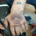 graphicaderme-orange-tatouage-piercing-tattoo-lineaire-ligne