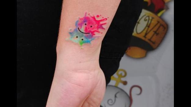 tattoo-tatouage-bipolaire-piercing-art-vaison-vaucluse-dessin-peinture-bollène-nyons-buislesbaronnies-tulette-malaucène-cavaillon-robion-coustellet-drôme-ardèche-tatouageaquarelle