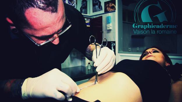 graphicaderme-piercing-vaison-bollene-nyons-carpentras-valreas-malaucene