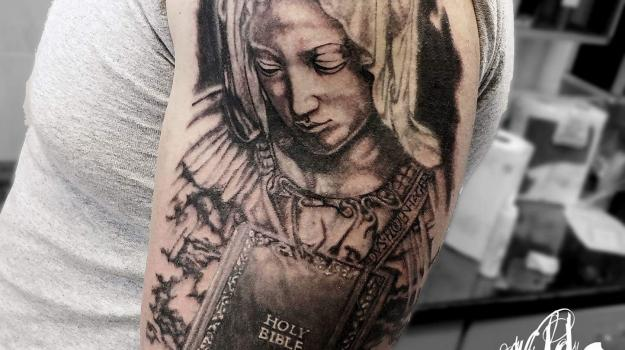 joe-wild-tatoueur-vaison-la-romaine-nyons-carpentras-tatouage-vaison-religieux