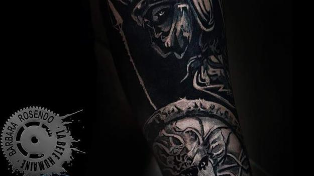 meilleure-tatoueuse-paris-barbara-rosendo-tatouage-antiquite-tattoo