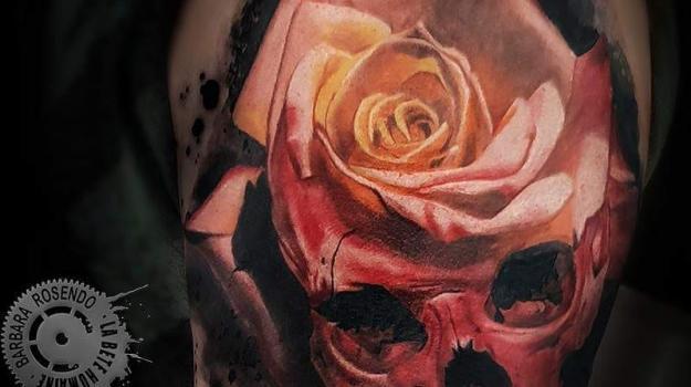 meilleure-tatoueuse-paris-barbara-rosendo-tatouage-crane-rose-tattoo