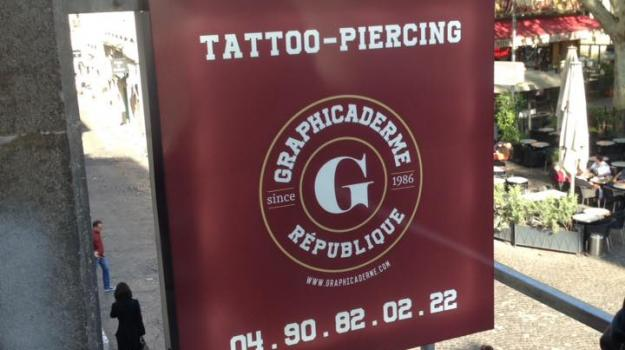 piercing-tatouage-avignon-republique-graphicaderme