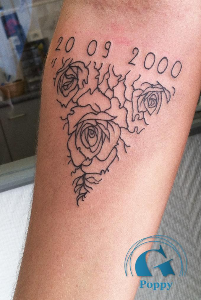 Tatouage femme graphicaderme - Tatouage phrase bras femme ...