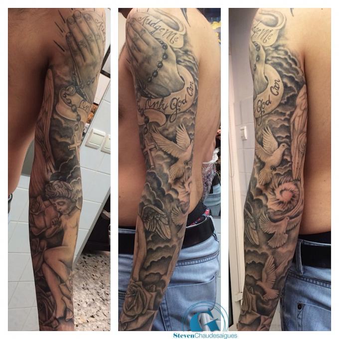 Un tatouage religieux sur un bras par steven chaudesaigues graphicaderme - Tatouage bras complet femme ...
