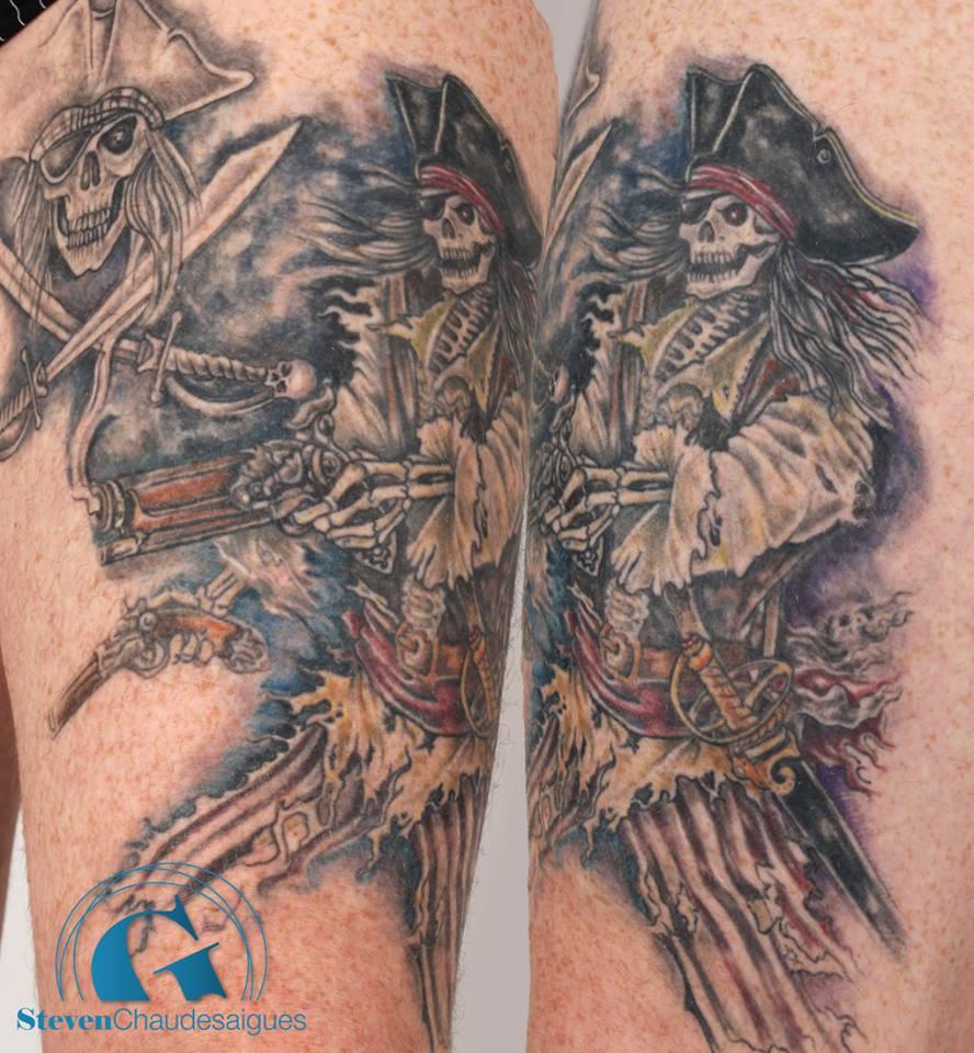 a l 39 abordage tatouage d 39 un pirate squelette sur une cuisse graphicaderme. Black Bedroom Furniture Sets. Home Design Ideas